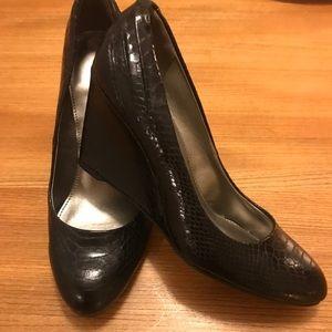 Bandolino Black Leather Wedge Shoes